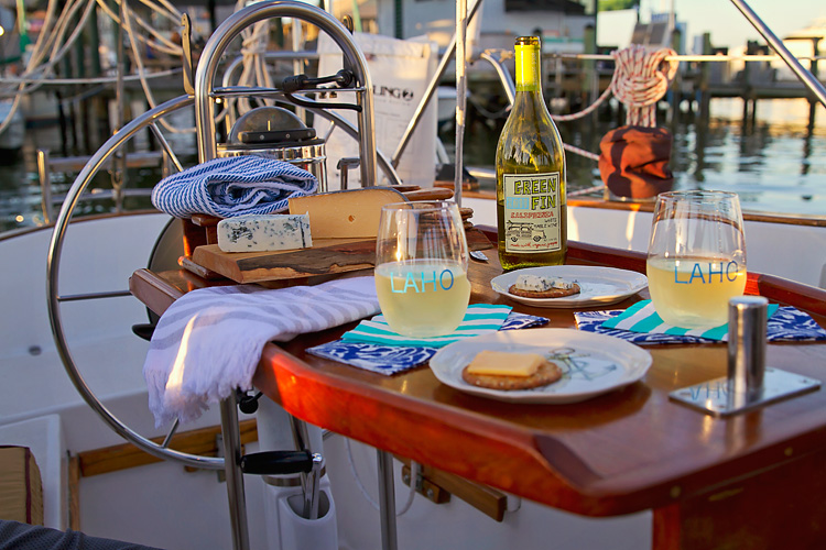 Sailing-Blog-Cruising-Caribbean-Bahamas-LAHOWIND-Govino-Shatterproof-Wine-Glasses-for-Sailboat-eIMG_9561
