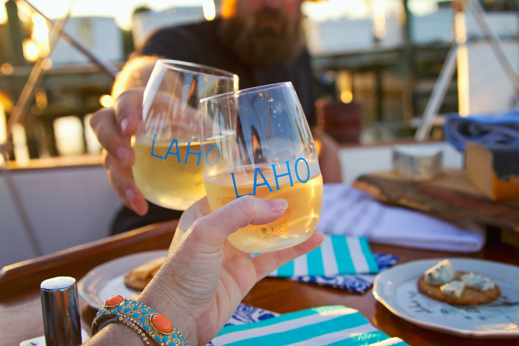 Sailing-Blog-Cruising-Caribbean-Bahamas-LAHOWIND-Govino-Shatterproof-Wine-Glasses-for-Sailboat-eIMG_9583