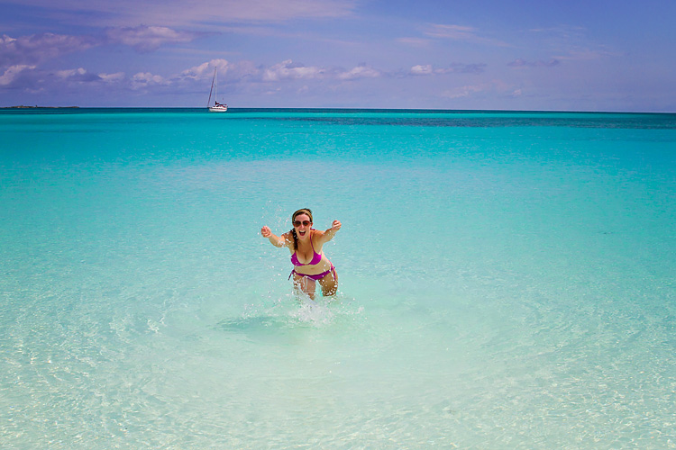 Sailing-Blog-Cruising-Bahamas-Caribbean-Berry-Islands-Great-Harbour-Cay-Beach-LAHOWIND-eIMG_2457