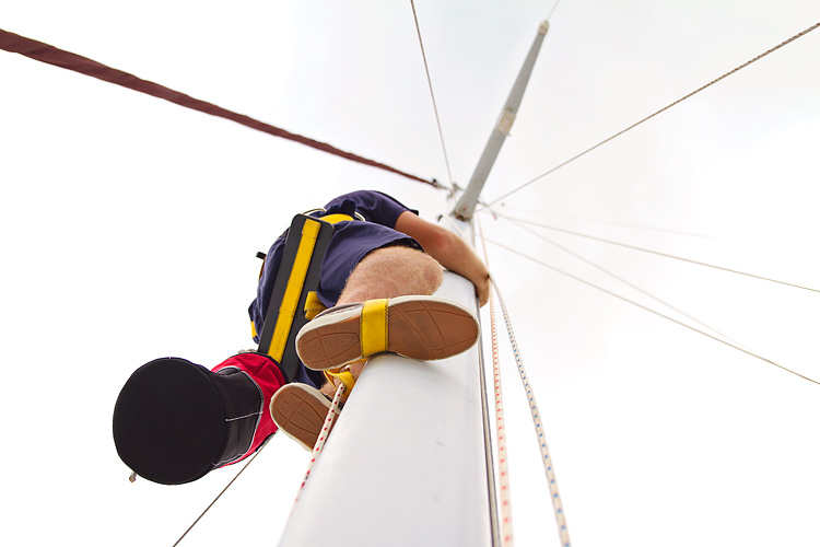 Sailing-Blog-Cruising-Caribbean-Bahamas-Boat-Projects-Maintenance-Climbing-the-Mast-Top-Climber-Wind-Instrument-Fix-LAHOWIND-eIMG_0400