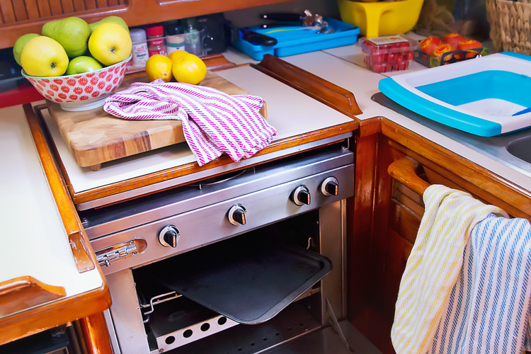 Sailing-Blog-Cruising-Caribbean-Live-Aboard-Boat-Sailboat-Galley-Kitchen-Gear-Endeavour-37-LAHOWIND-eIMG_6147