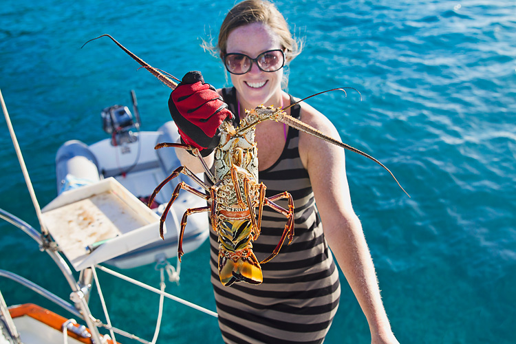 Sailing-Blog-Cruising-Caribbean-USVI-St.-Thomas-Lobster-Hunting-Diving-Photos-LAHOWIND-Young-Couple-Boat-Life-eIMG_7756