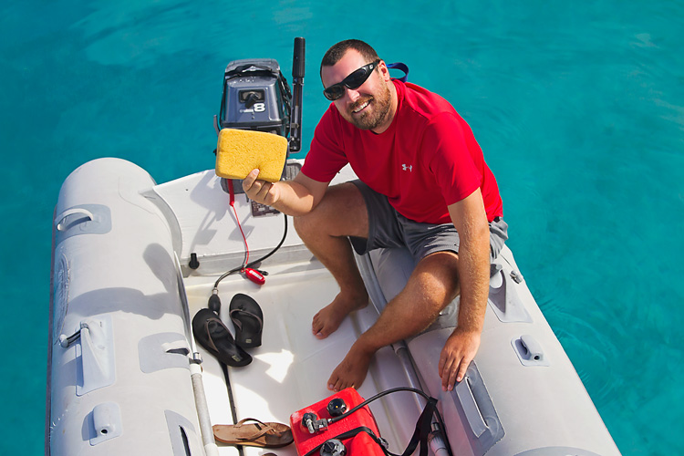 Sailing-Blog-Cruising-Bahamas-Caribbean-2015-LAHOWIND-Dinghy-Tips-How-To-Remove-Water-Tile-Sponge-eIMG_0028