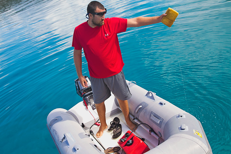 Sailing-Blog-Cruising-Bahamas-Caribbean-2015-LAHOWIND-Dinghy-Tips-How-To-Remove-Water-Tile-Sponge-eIMG_9990