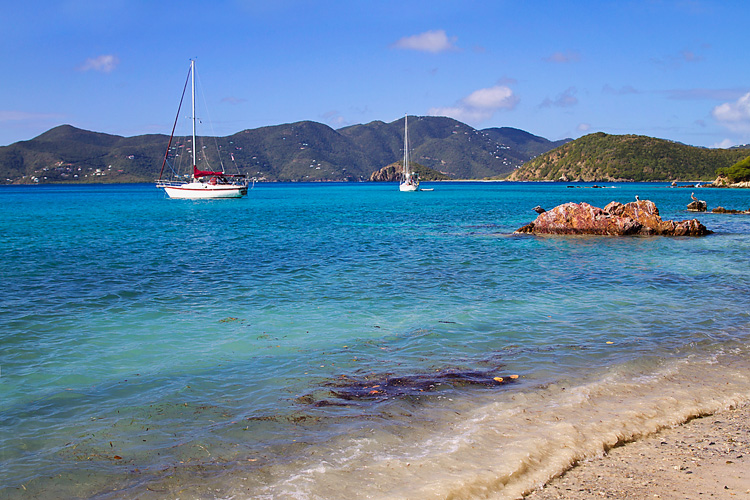 Sailing-Blog-Cruising-USVI-St-John-Hansen-Princess-Bay-Christmas-Winds-LAHOWIND-Boat-Life-eIMG_9119