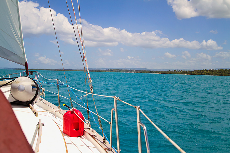 Sailing-Blog-Cruising-Caribbean-Puerto-Rico-Parguera-Cayo-Enriquee-to-Puerto-Real-LAHOWIND-Lighthouse-Dolphin-Photos-2015-eIMG_3415